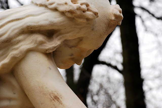 Statue of a grieving muse at Chopin's grave, Paris (Photo: Jelle Druyts)